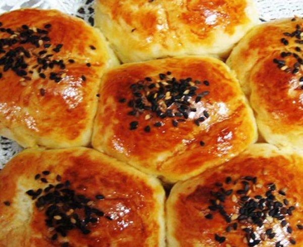 نان عسلی صبحانه