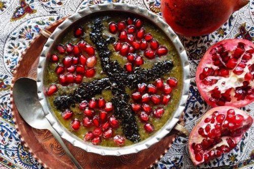 طرز تهیه آش آذری یا آش انار ( غذای شب یلدا )