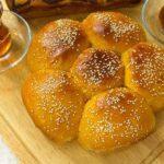 طرز تهیه نان شیرمال مخصوص صبحانه