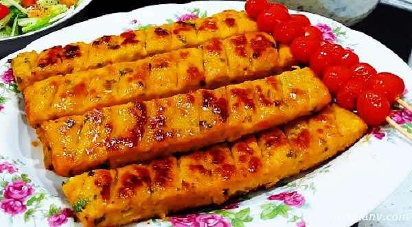 کباب کوبیده مرغ در ماهیتابه