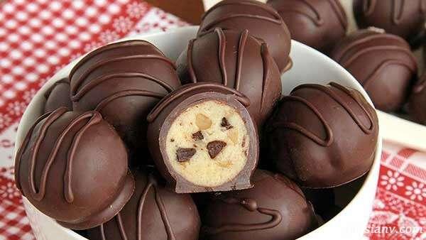 طرز تهیه «شکلات مغزدار» در خانه