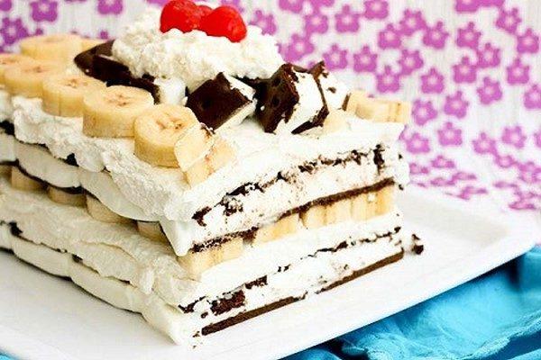 طرز تهیه کیک بستنی موزی خوشمزه