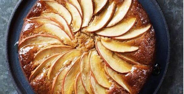 کیک سیب با دارچین