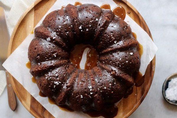 طرز تهیه کیک خرما ؛ مقوی و خوشمزه برای افطار