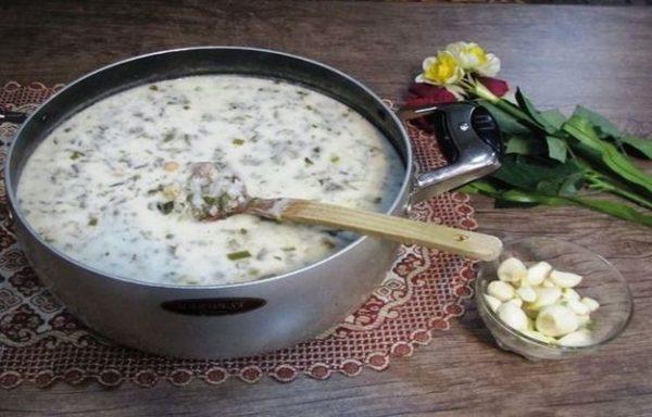 طرز تهیه آش دوغ کردستانی