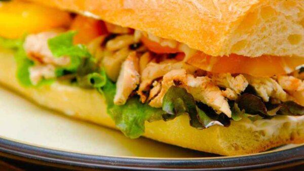 ساندویچ خوشمزه خانگی