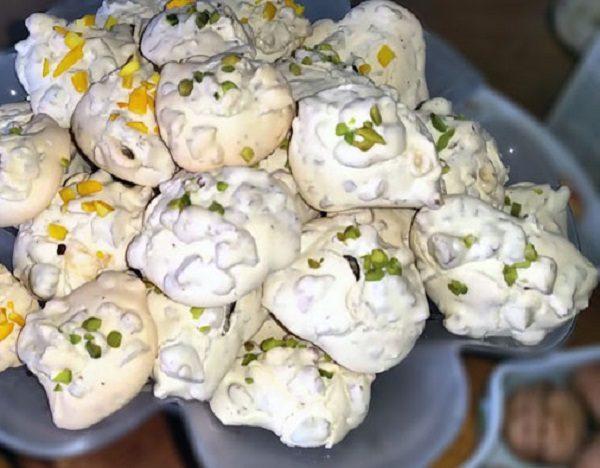 آموزش یک شیرینی نوروزی: شیرینی پفکی گردویی