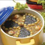 یک غذای محلی سنندجی ، آش هالاو یا آبگوشت غوره