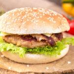 طرز تهیه همبرگر مرغ غذایی راحت و سبک برای افطار