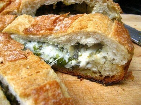 نان شکم پر با پنیر