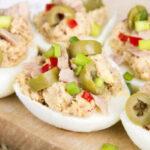 طرز تهیه تخم مرغ شکم پر تن ماهی ، یک پیش غذای خوشمزه و ساده