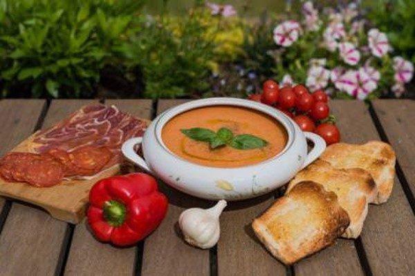 طرز تهیه سوپ گازپاچو