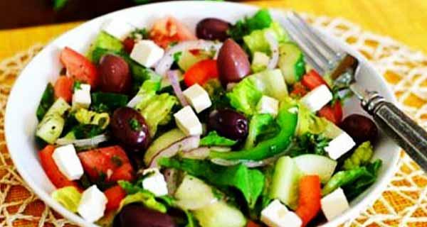 سالاد ترکیه ای ، یک سالاد با سبزیجات خوش رنگ و عالی
