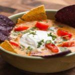 سوپ مکزیکی ناچو ، یک پیش غذای گرم و خوشمزه + عکس تزئین شده