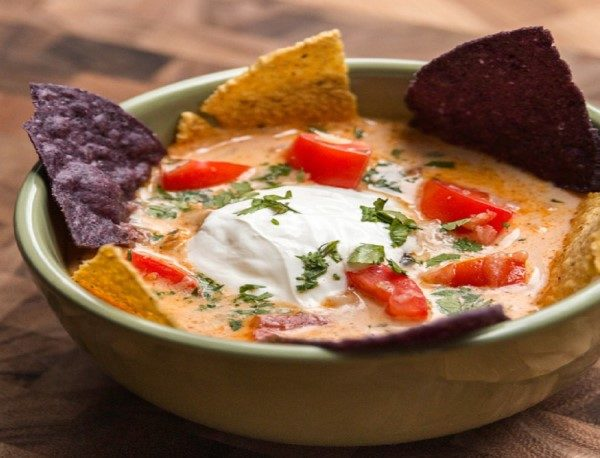 نتیجه تصویری برای سوپ مکزیکی ناچو ، یک پیش غذای گرم و خوشمزه + عکس تزئین شده