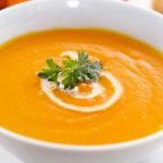 سوپ پیاز و سیب زمینی با چاشنی پرتقال ، یک پیش غذای عالی و خوش رنگ