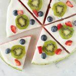 پیتزای میوه ای یک دسر خوشمزه و شیک برای شب یلدا
