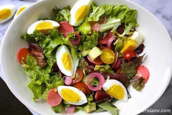 سالاد تخم مرغ آب پز یک پیش غذای عالی پروتئین دار