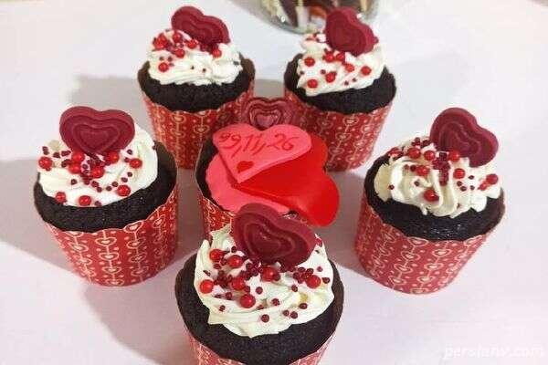 کاپ کیک قلبی شکلاتی