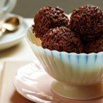ترافل شکلاتی توپی با بستنی یک دسر عالی و خوشمزه