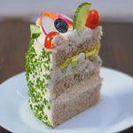 کیک ساندویچی یک غذای شیک و خوشمزه