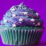 کاپ کیک کهکشانی یک دسر فوق العاده که مهمانانتان را شگفت زده میکند