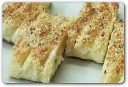 نان پر شده با مرغ و بشامل