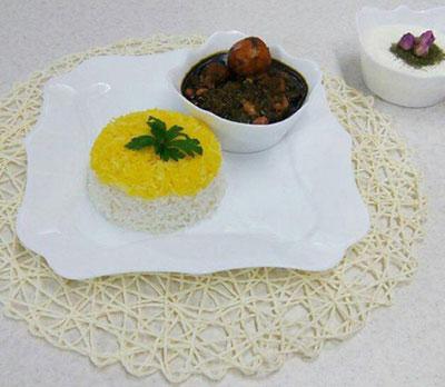 خورش قورمه سبزیِ تبریزی ، یک غذای محلی و خیلی خوشمزه