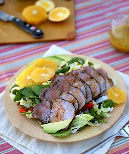 سالاد گوشت بریان و سبزیجات ، این سالاد یک غذای کامل است