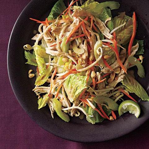 سالاد مرغ تایلندی ، یک غذای خوش طعم و رژیمی
