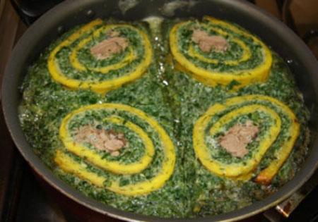 طرز تهیه رولت کوکو سبزی خوش مزه مجلسی