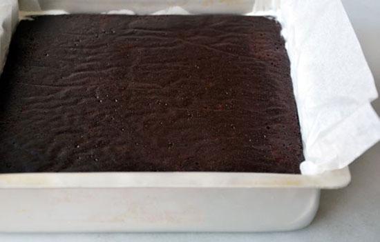 براونی ساندویچی یک دسر فوق العاده برای عاشقان کاکائو + مراحل پخت