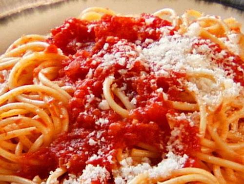 طرز تهیه اسپاگتی پومودورو خوشمزه