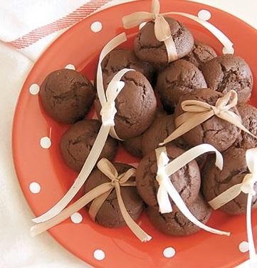 شیرینی خرمای شکلاتی خوشمزه