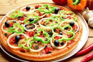 طرز تهیه یک پیتزای گیاهی خوشمزه
