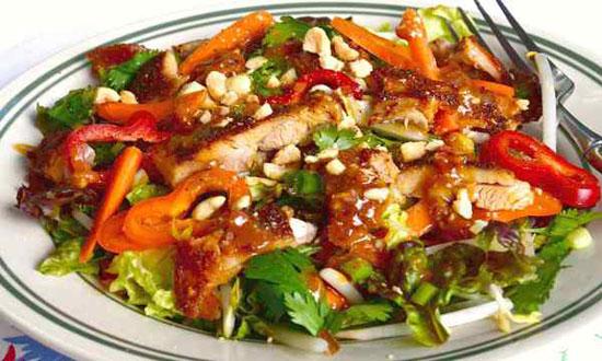 یک ناهار خوشمزه برای خوش اندام ها ، سالاد اسپایسی مرغ