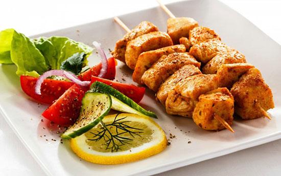 طرز تهیه کباب کوبیده مرغ ، این غذا برای مهمانی ها عالی است