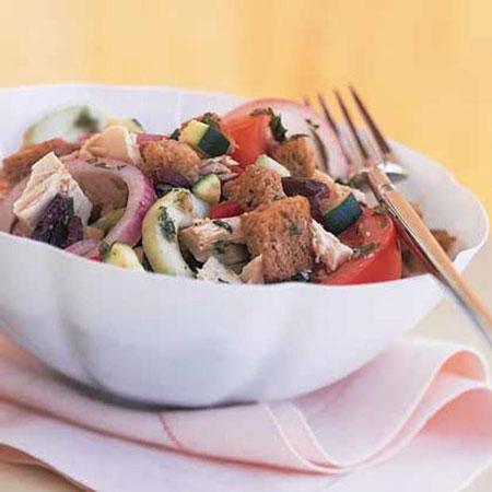 طرز تهیه سالاد سبزیجات با تن ماهی