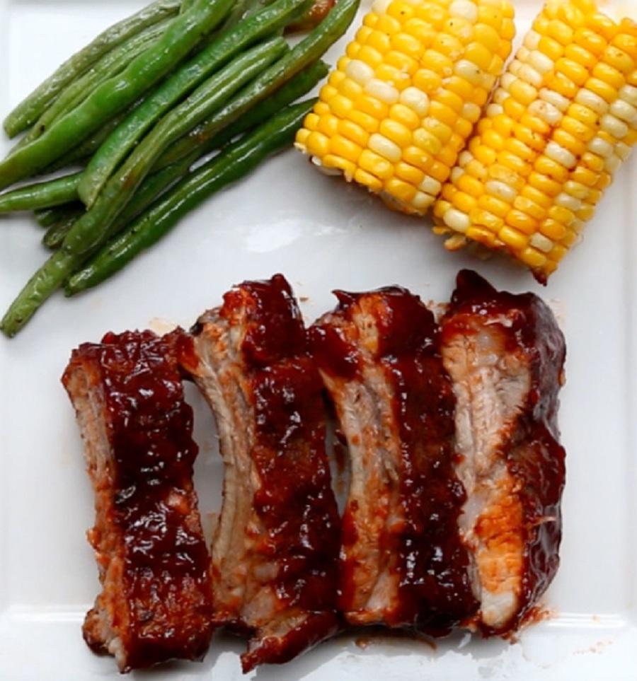 گوشت دنده با سس باربیکیو ، با این غذا از مهمانانتان پذیرایی کنید