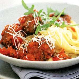 طرز تهیه خوراک کوفتهریزه با پاستا ، یک غذای ایتالیایی خوشمزه