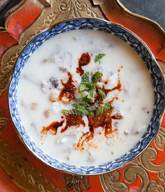 سوپ مرغ و ماست ترکیه ای