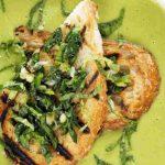 سوپ پیازچه و نخود فرنگی یک پیش غذای عالی