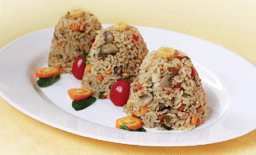 دمی سبزیجات با برنج قهوه ای