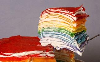 طرز تهیه کرپ کیک رنگین کمانی که در مهمانی عالی است