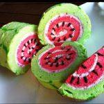 طرز تهیه رولت هندوانه از دسرهای خوشمزه شب یلدا