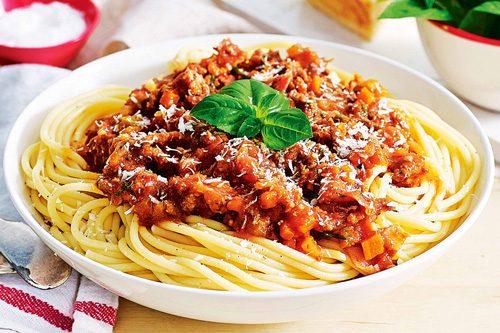 اسپاگتی با سس بلونزه