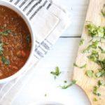 خوراک عدس و گوجه فرنگی را برای یک شام فوری را امتحان کنید