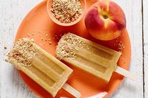 بستنی چوبی میوه ای هلو و بادام را امتحان کنید