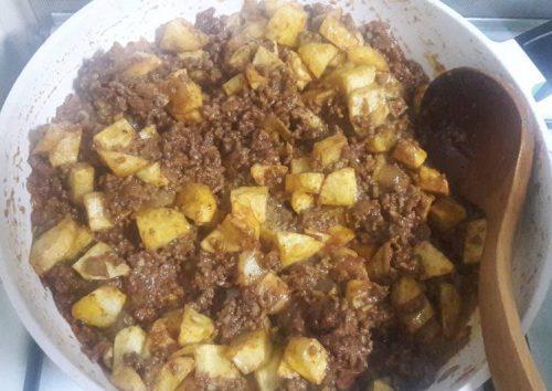 خوراک گوشت و سیب زمینی