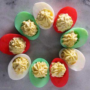 تزئین تخم مرغ رنگی برای صبحانه